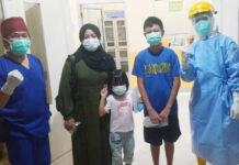 Tiga pasien Covid-19 di Tulang Bawang yang dinyatakan sembuh saat akan pulang ke rumahnya