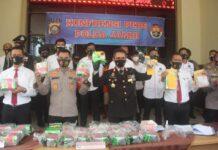 Kapolda Jambi Irjen Pol Firman Shantyabudi saat menggelar konferensi pers keberhasilan mengungkap sabu 31 kg asal bengkalis, Provinsi Riau
