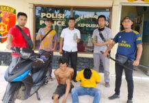 Dua warga Banjar Agung pelaku perampokan berinisial SN als SA (24) dan SD als SR (26), saat berada di Mapolsek Banjar Agung