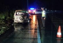 Mobil daihatsu taft yang terbakar di Jalan Tol Trans Sumatera (JTTS)